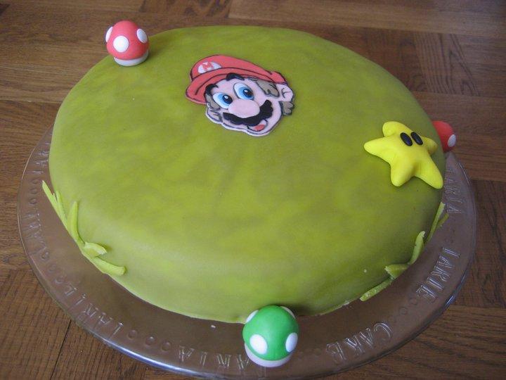 Yoshi Yohto har tårtkalas